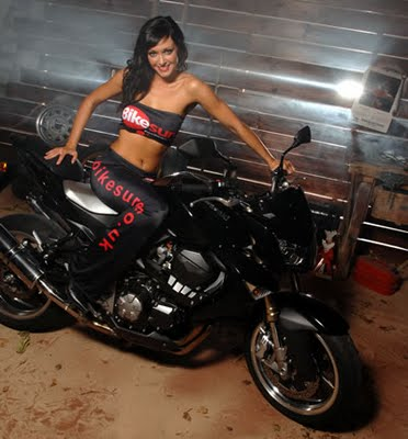 Laura on a Z1000