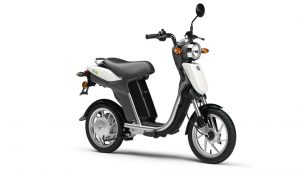 The 2019 Ultimate Guide to Electric Scooters and Mopeds