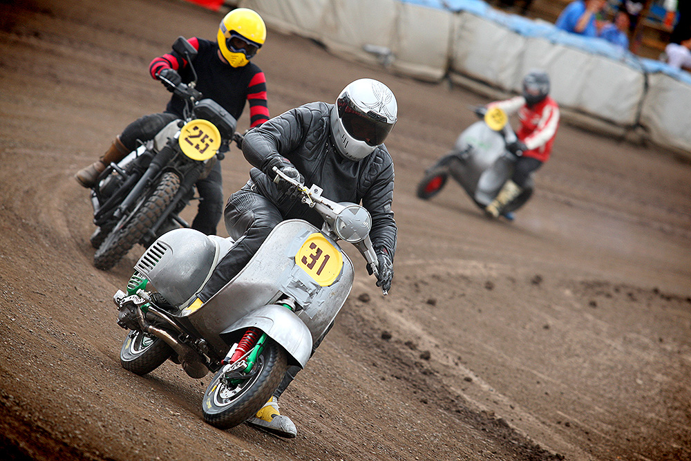 Scooter leads way at Dirt Quake V