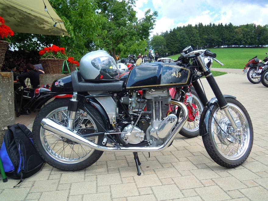 A 1950s AJS 16/18MS converted to Cafe Racer style