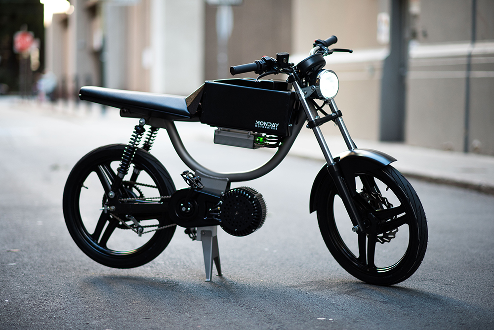Monday M1 electric motorcycle